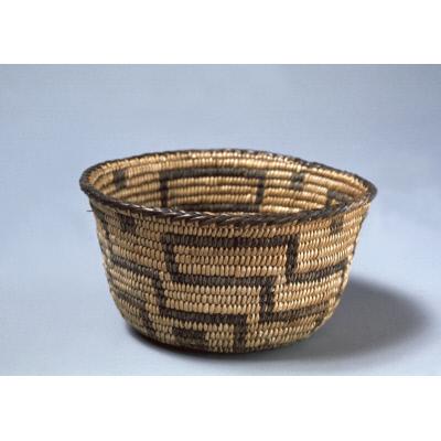 Small bowl-shaped basket