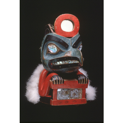 Lkaayaak yeil s'aaxw (Box of Daylight Raven Hat)