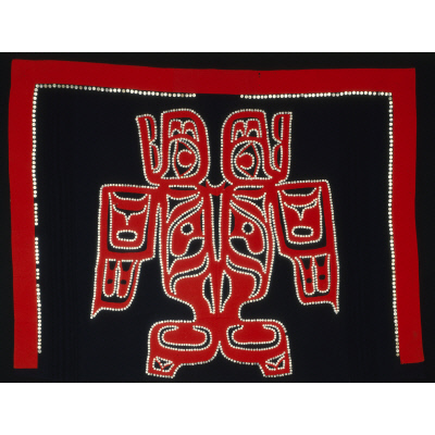 Guulaangw gyaat'aad (button robe)