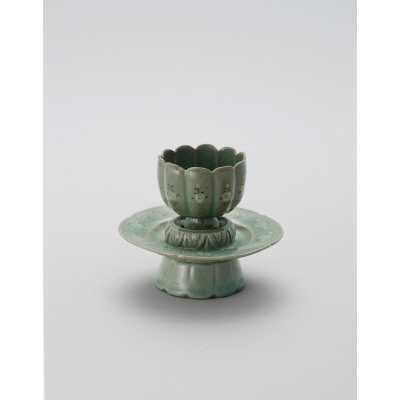 Cup and stand with inlaid floral decoration